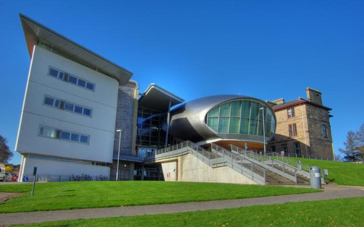 Edinburgh International College(EIC)