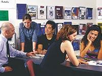 Universal English College